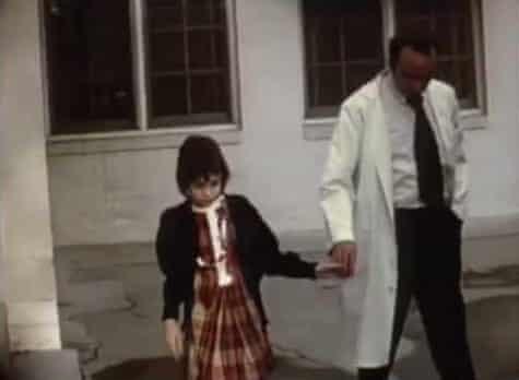 Cuộc đời khốn khổ của cô bé hoang dã Genie Wiley: Bị lạm dụng, tra tấn và bỏ rơi rồi trở thành đối tượng nghiên cứu trong khoa học - Ảnh 5.