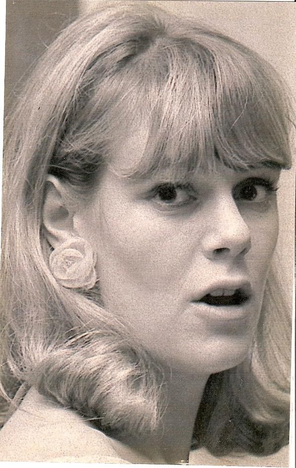 Mang tiếng là kẻ thứ 3 kém sắc nhưng loạt ảnh thời trẻ của bà Camilla sẽ khiến nhiều người nghĩ lại bởi không hề thua kém Công nương Diana - Ảnh 6.