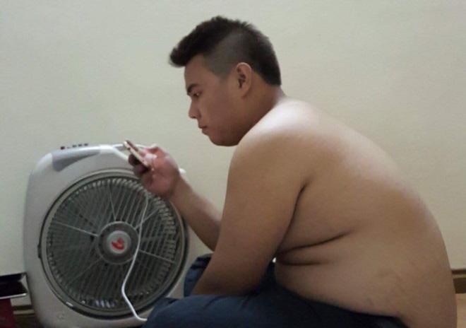 Anh thanh niên lột xác sau khi giảm 40kg, đến nỗi không được vào thi vì quá khác ảnh thẻ - Ảnh 2.