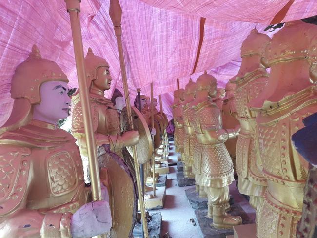 Lâm Đồng: Sẽ không cấp phép trưng bày tượng binh lính trong khu du lịch Quỷ Núi - Ảnh 1.