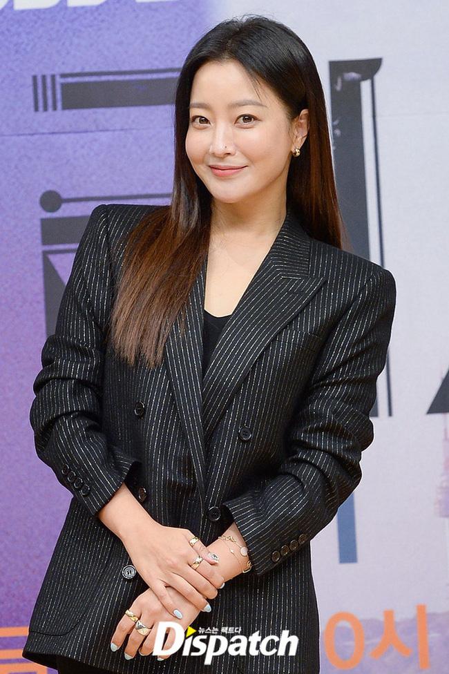 Trước thời bộ ba Kim Tae Hee - Song Hye Kyo - Jun Ji Hyun khuấy đảo Kbiz thì hai trường phái nhan sắc bất bại này đã từng làm cả Châu Á mê mẩn - Ảnh 12.