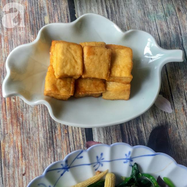 Tham khảo mâm cúng chay 10 món ngon đẹp lung linh cho ngày Rằm tháng Bảy của mẹ đảm Sài Thành - Ảnh 3.