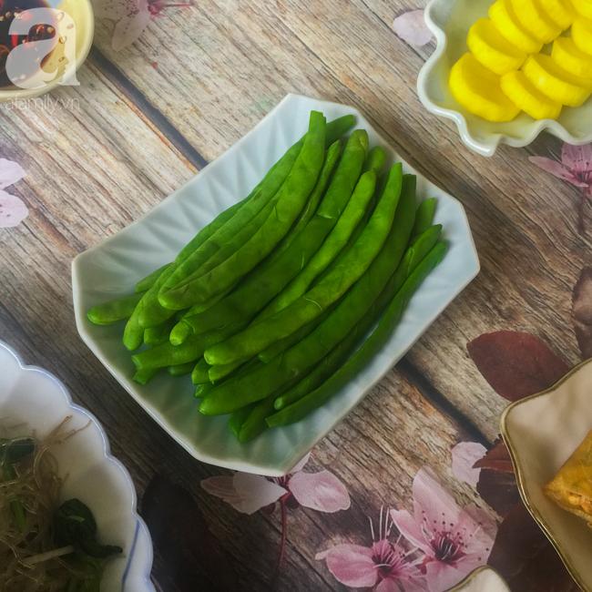 Tham khảo mâm cúng chay 10 món ngon đẹp lung linh cho ngày Rằm tháng Bảy của mẹ đảm Sài Thành - Ảnh 4.