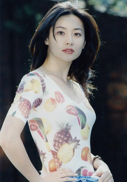 Trước thời bộ ba Kim Tae Hee - Song Hye Kyo - Jun Ji Hyun khuấy đảo Kbiz thì hai trường phái nhan sắc bất bại này đã từng làm cả Châu Á mê mẩn - Ảnh 6.