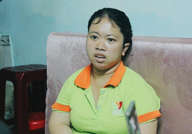 Gặp người cha địu bé trai 9 tháng tuổi chạy xe ôm ở Sài Gòn: 'Mình có lỗi với con, thấy con đi nắng mà xót lắm' - ảnh 15