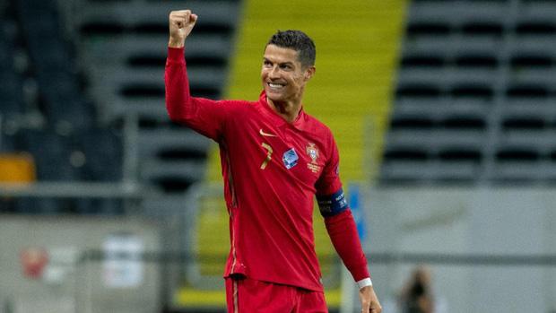 Một lần nữa Ronaldo nhấn mạnh, anh tốt hơn Messi - Ảnh 3.