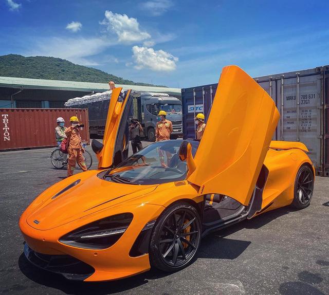McLaren 720S Spider thứ 7 về Việt Nam cập bến Sài Gòn, nằm trong garaga toàn siêu xe gây chú ý - Ảnh 4.