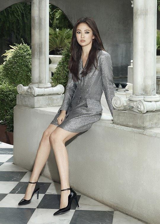 Bóc trần vóc dáng thật sự của Song Hye Kyo qua ảnh chụp của người qua đường - Ảnh 5.