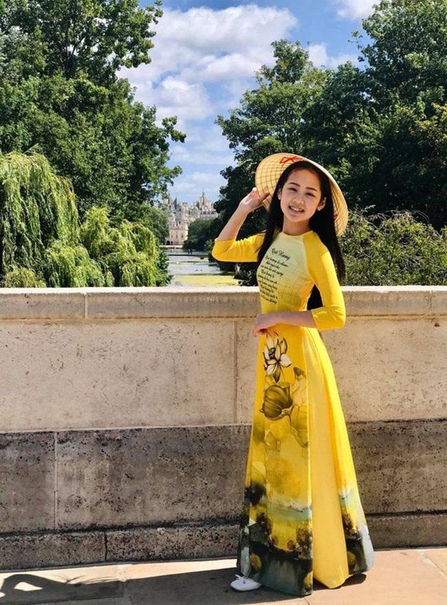 Cô bé người Việt đầu tiên học cùng trường con Hoàng tử Anh, sở hữu tài khoản ngân hàng khi mới 10 tuổi - Ảnh 5.