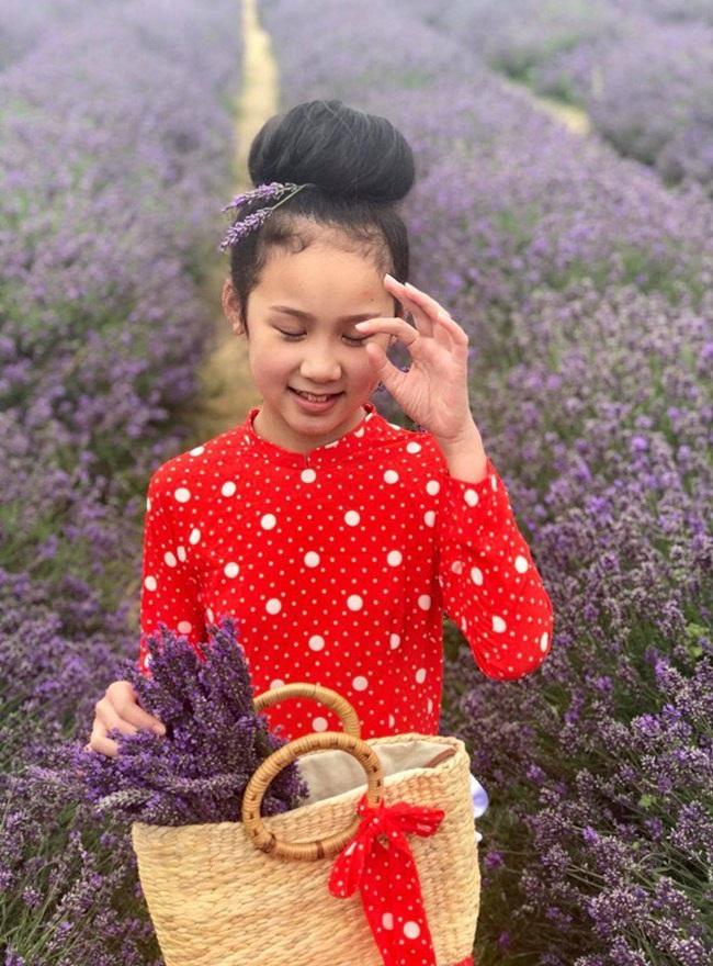Cô bé người Việt đầu tiên học cùng trường con Hoàng tử Anh, sở hữu tài khoản ngân hàng khi mới 10 tuổi - Ảnh 7.