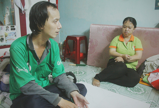 Gặp người cha địu bé trai 9 tháng tuổi chạy xe ôm ở Sài Gòn: 'Mình có lỗi với con, thấy con đi nắng mà xót lắm' - ảnh 8