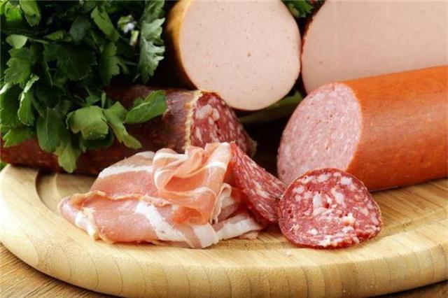 WHO cảnh báo 4 loại thực phẩm nhiều người yêu thích nhưng thường xuyên sử dụng sẽ khiến ung thư luôn cận kề: Số 1 là thứ từ trẻ tới già đều mê! - Ảnh 2.