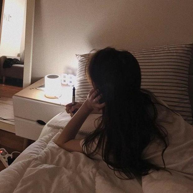 Người có gan yếu thường dễ gặp phải 4 tình trạng xấu khi ngủ, có 1 điều thôi cũng là dấu hiệu cảnh báo chức năng gan không ổn - Ảnh 1.