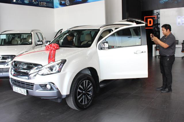 Isuzu mu-X hạ giá sốc còn 650 triệu đồng: Đấu Toyota Fortuner bằng giá Kia Seltos - Ảnh 2.