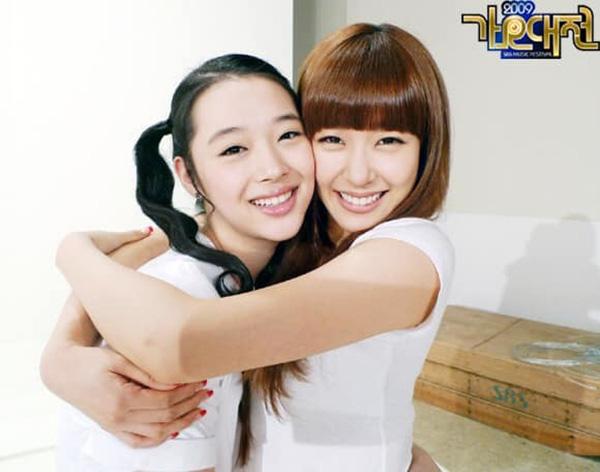 Phim tài liệu về Sulli: Mẹ ruột cạn nước mắt xác nhận con gái cố tự tử hậu chia tay Choiza, Tiffany bật khóc hối hận nói về người em - Ảnh 16.