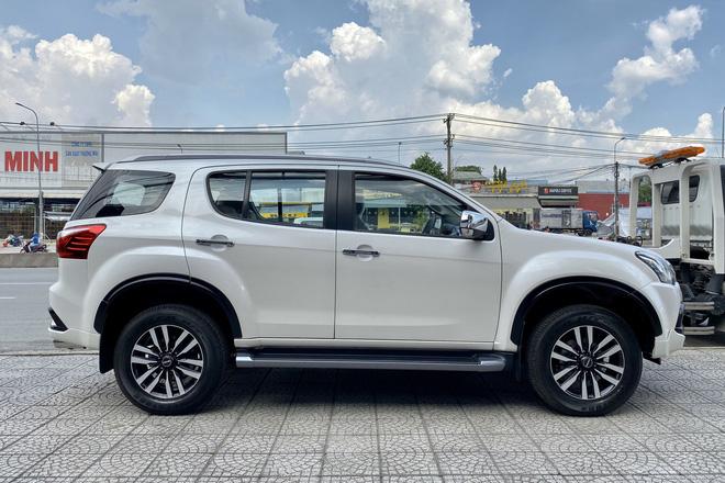 Isuzu mu-X hạ giá sốc còn 650 triệu đồng: Đấu Toyota Fortuner bằng giá Kia Seltos - Ảnh 4.