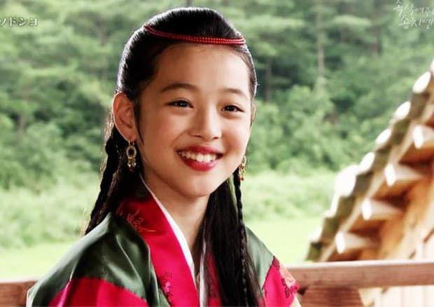 Phim tài liệu về Sulli: Mẹ ruột cạn nước mắt xác nhận con gái cố tự tử hậu chia tay Choiza, Tiffany bật khóc hối hận nói về người em - Ảnh 7.