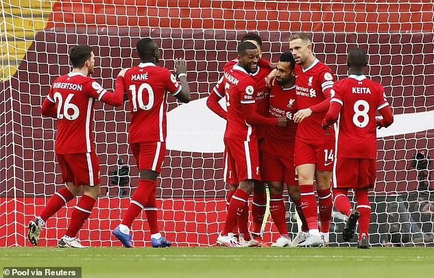 Hậu vệ số một thế giới mắc sai lầm, Liverpool toát mồ hôi rượt đuổi tỉ số với Leeds United - Ảnh 3.