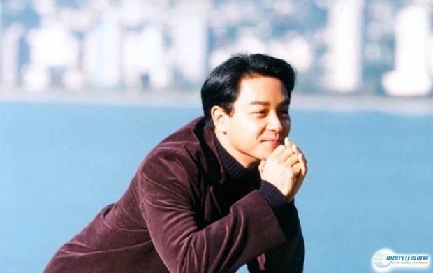 8 nàng thơ của Trương Quốc Vinh: Thư Kỳ thoát mác mỹ nhân 18+, Trương Bá Chi chưa khổ bằng chị đại sính ngoại bị cắm sừng - Ảnh 1.