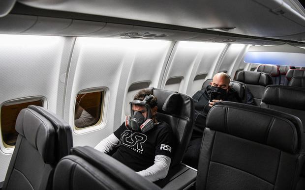 Thảm cảnh của ngành hàng không mùa dịch: Khách hàng bỏ tiền mua vé thương gia, dịch vụ không khác gì ghế hạng phổ thông - Ảnh 1.