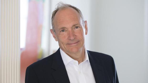 Tim Berners-Lee - người được mệnh danh là cha đẻ của Internet