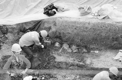 Khai quật thủy mộ độc nhất vô nhị tại Trung Quốc: Những thứ bên trong khiến giới khảo cổ kinh ngạc - Ảnh 5.