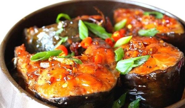 Đầu bếp nổi tiếng tiết lộ bí quyết kho cá chắc thịt, không sợ tanh, tham khảo ngay - Ảnh 4.