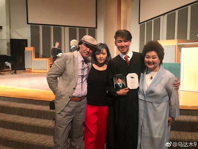 Cậu bé Mông Cổ hát về mẹ từng khiến hàng triệu người bật khóc hiện giờ ra sao? - Ảnh 10.