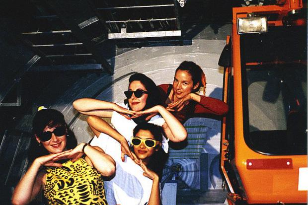 Có vẻ như những cô gái này đã từng có một thời rất vui với đam mê ca hát