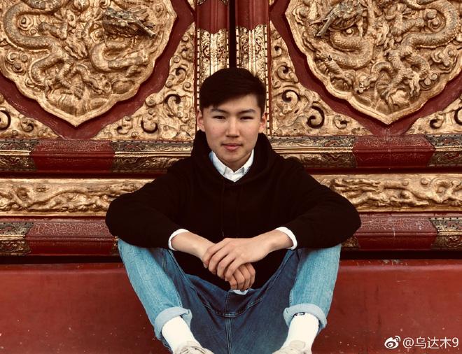Cậu bé Mông Cổ hát về mẹ từng khiến hàng triệu người bật khóc hiện giờ ra sao? - Ảnh 21.