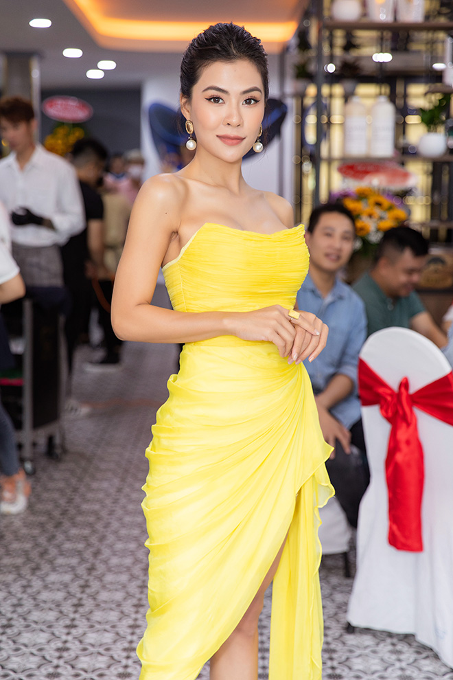 Tường Linh mặc bốc lửa khi tham dự kiện nhiều sao Việt - Ảnh 5.