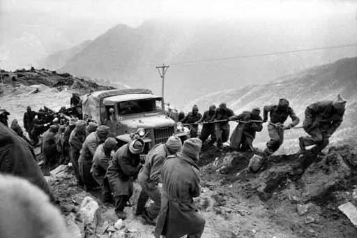 Báo Ấn Độ cảnh báo thương vong lớn nếu TQ còn khơi gợi ký ức chiến tranh 1962 - Ảnh 1.