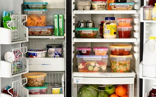 Mách bạn cách khắc phục tủ lạnh bị chảy nước - Ảnh 1.