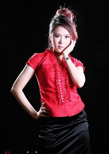 Chuyện ít biết về quãng thời gian làm người mẫu, MC của Hồng Diễm - Ảnh 4.