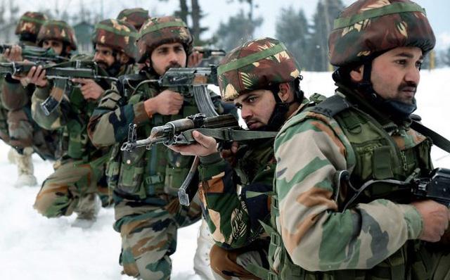 Bố trí hơn 200.000 quân ở biên giới, vì sao Trung Quốc không dám chơi tất tay với Ấn Độ? - Ảnh 1.