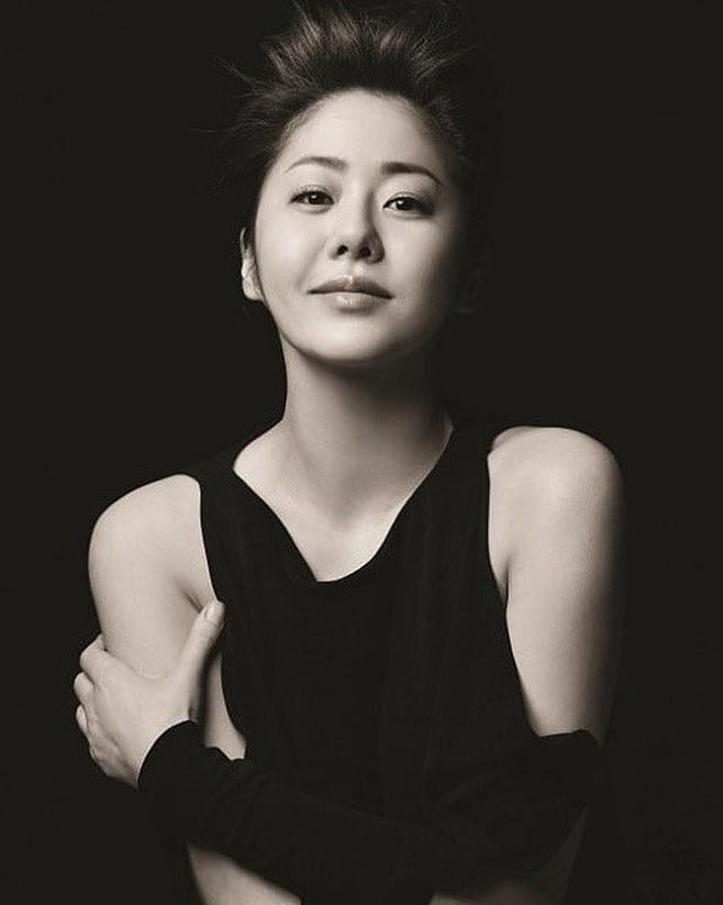 Á hậu Hàn Quốc bị đối xử tệ bạc khi làm dâu gia tộc Samsung ra sao ở tuổi U50? - Ảnh 6.