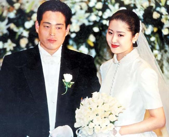 Á hậu Hàn Quốc bị đối xử tệ bạc khi làm dâu gia tộc Samsung ra sao ở tuổi U50? - Ảnh 3.
