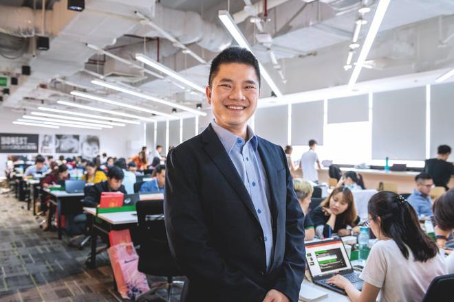 Thiếu gia công ty bán cám lợn, cám gà top đầu Việt Nam: Phải làm công nhân trước khi thành Chủ tịch - Ảnh 2.