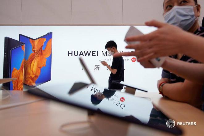 Giá điện thoại Huawei tăng ở Trung Quốc do người dùng lo ngại công ty sắp hết chip - Ảnh 1.