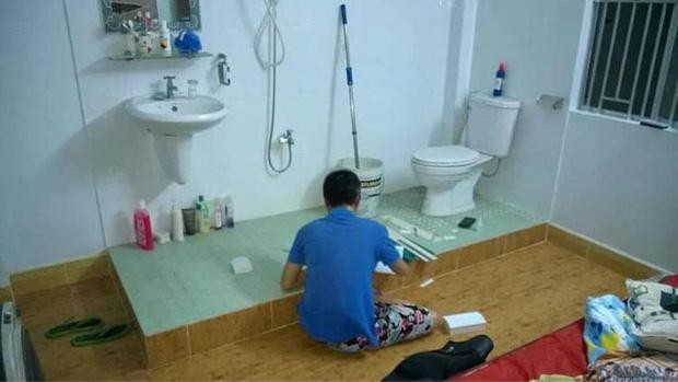 Hết hồn với phòng trọ giữa thành phố, toilet nhìn ra ngoài như khách sạn 4 sao, thế mà vẫn có người thuê ở! - Ảnh 1.