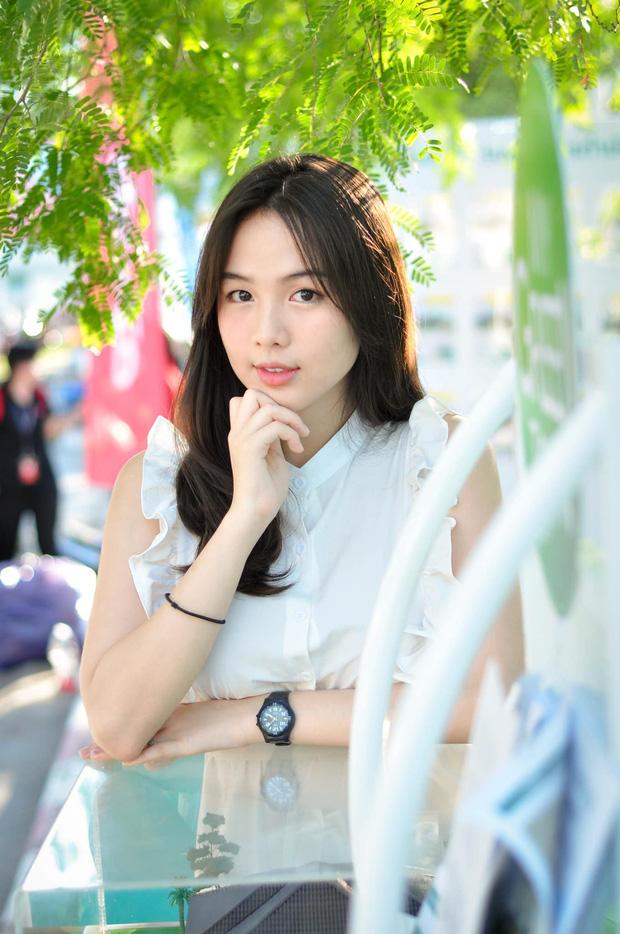 Dân mạng Trung Quốc phát sốt vì hot girl trà sữa Thái Lan, không giấu giếm mình là người chuyển giới - Ảnh 19.