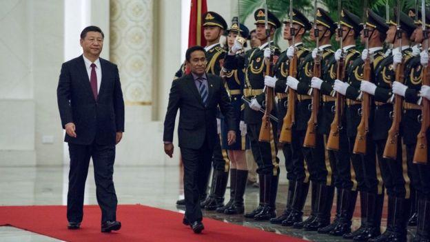 Quốc gia nhỏ bé vay tiền Trung Quốc: Người dân ăn nên làm ra, vì sao chính phủ vẫn lo ngay ngáy? - Ảnh 2.
