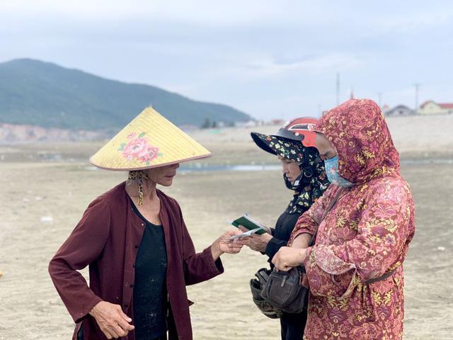 Ngư dân Hà Tĩnh trúng đậm cá cơm, mỗi ngày thu tiền triệu - Ảnh 7.