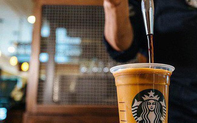 """Những """"vũ khí sắc bén"""" giúp Starbucks từ một quán cà phê nhỏ bé trở thành một đế chế với hàng vạn cửa hàng trên thế giới - Ảnh 2."""