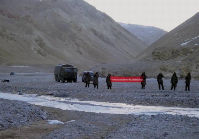 Báo Ấn: Nghi binh ở Hồ Pangong Tso, Trung Quốc sắp nuốt trọn vị trí chiến lược ở Ladakh? - Ảnh 1.