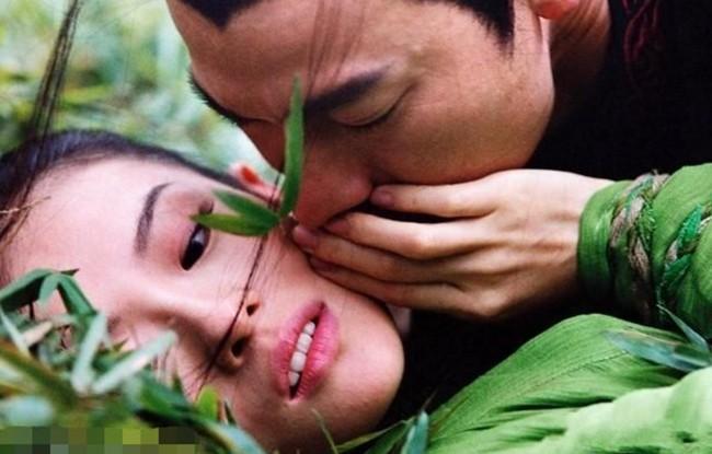 Tiết lộ lý do khiến Chương Tử Di bỏ cơm mấy ngày khi quay cảnh hôn với Lưu Đức Hoa - Ảnh 2.