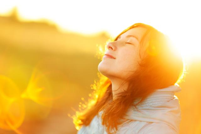 Thiền yoga Kundalini: Thay đổi hoàn toàn cuộc sống chỉ nhờ 12 phút thực hiện phương pháp truyền thống này mỗi ngày - Ảnh 1.