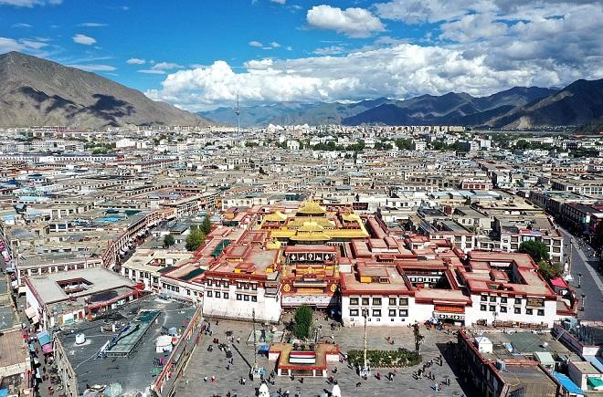 Còi báo động rền vang ở Tây Tạng, Trung Quốc lo Ấn Độ tung chiến đấu cơ không kích? - ảnh 1