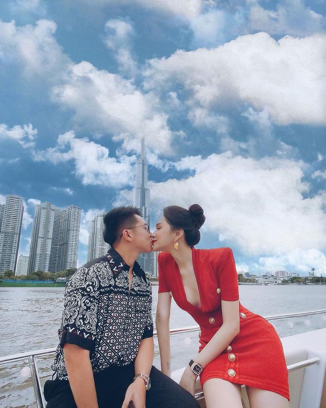 Bạn trai Hương Giang 'đọ' bạn trai Hoà Minzy: 2 thiếu gia với tài sản khủng, cưng chiều người yêu trên mạng cho đến ngoài đời - ảnh 13