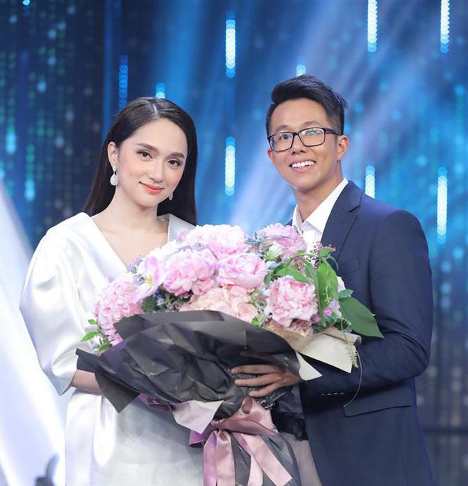 Bạn trai Hương Giang 'đọ' bạn trai Hoà Minzy: 2 thiếu gia với tài sản khủng, cưng chiều người yêu trên mạng cho đến ngoài đời - ảnh 3